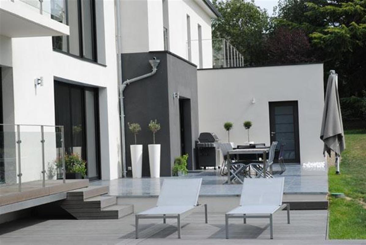 Terrasse villa moderne  Le monde de La