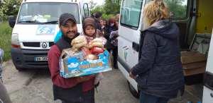 115DP-et partenaires-DIstribution urgence alimentaire camp Rom Vitry_2020 05 03-14