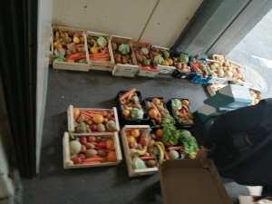 115DP-et partenaires-DIstribution urgence alimentaire camp Rom Vitry_2020 05 03-4
