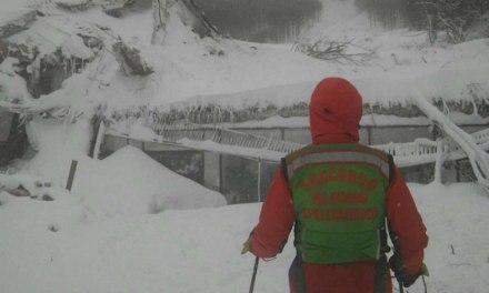 Avalanche en Italie : la recherche de survivants se poursuit