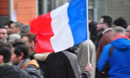 Les drapeaux tricolores de sortie à Toulouse