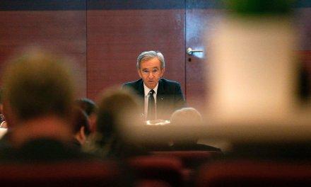 Observatoire des inégalités : la fortune de Bernard Arnault équivaut à 2,6 millions d'années du SMIC