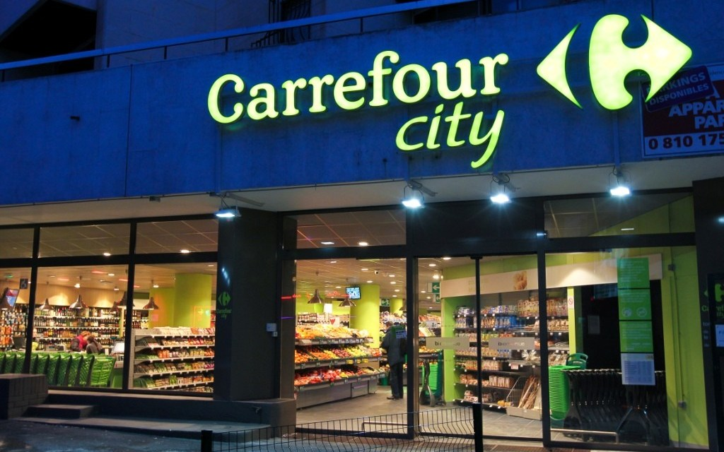 Carrefour : le groupe prévoit 2 400 suppressions de postes en France