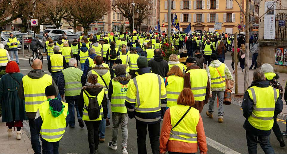 «Yellow Vests» : En Angleterre des Gilets Jaunes manifestent contre l'austérité