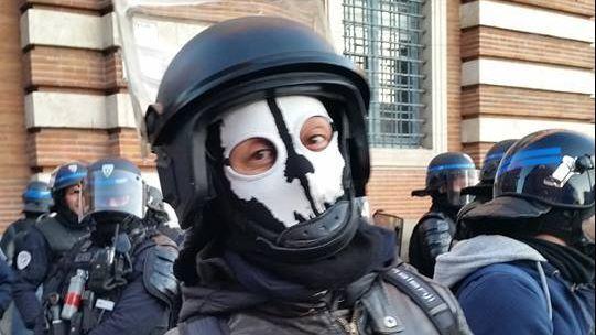Le «policier masqué» toulousain visé par une enquête