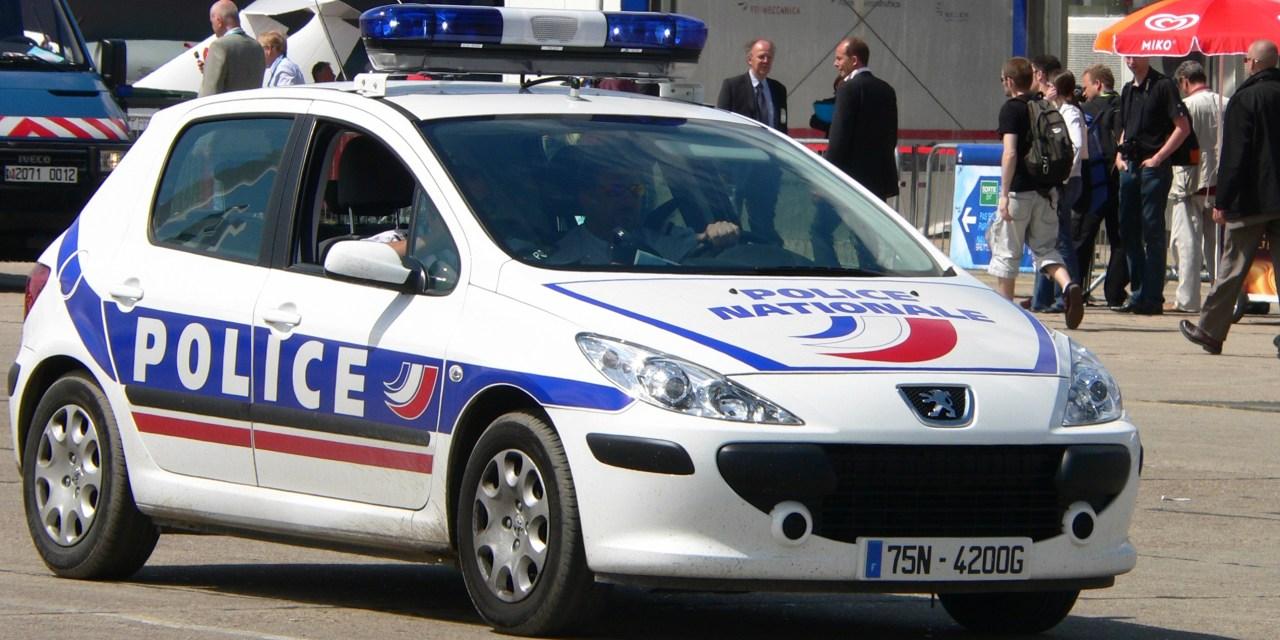Paris: important braquage dans une banque des Champs-Élysées