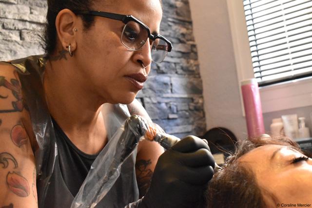 Tatouage capillaire : une solution au manque de cheveux