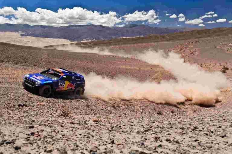 Image d'une auto du Dakar.