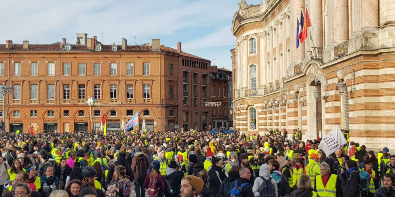 Toulouse: un an de prison ferme pour le Gilet jaune qui a failli provoquer le crash d'un hélicoptère