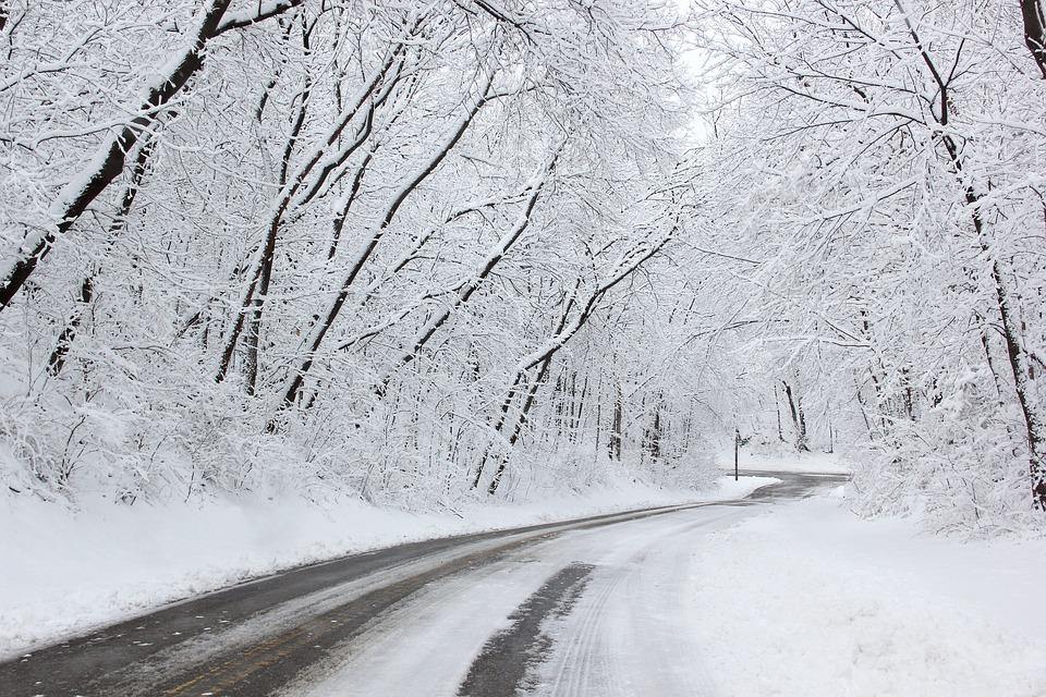 Météo : l'Isère, paralysée par la neige