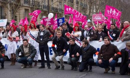 Projet de loi bioéthique: les anti-PMA dans la rue à Paris