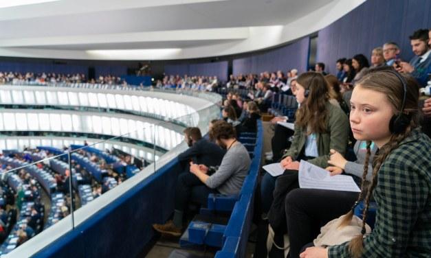 Greta Thunberg fustige les combustibles fossiles