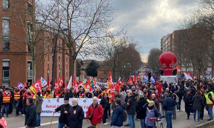 Direct: 30 000 personnes manifestent à Toulouse
