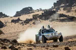 Julie et Frédéric Verdaguer, classés 5e au Dakar Classic. - Crédit : Facebook.