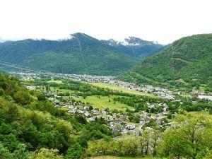 Bagnères-de-Luchon, une des 18 communes sélectionnées pour bénéficier du programme. Crédit : CC BY-SA 3.0 par Père Igor