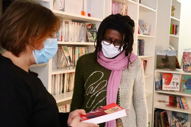 Marianne et Fatima, les gérantes de la librairie indépendante. Crédit : Noémie Bouisset