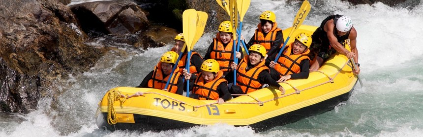 Group retreat events - river rafting
