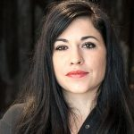 Jasmina Cibic artiste spécialisée en installations vidéos