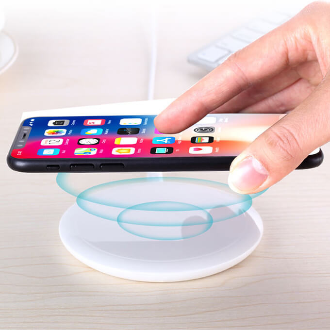 Fast Wireless Charging Pad Standard Wireless Charger for iPhone X 8 Samsung Galaxy S9