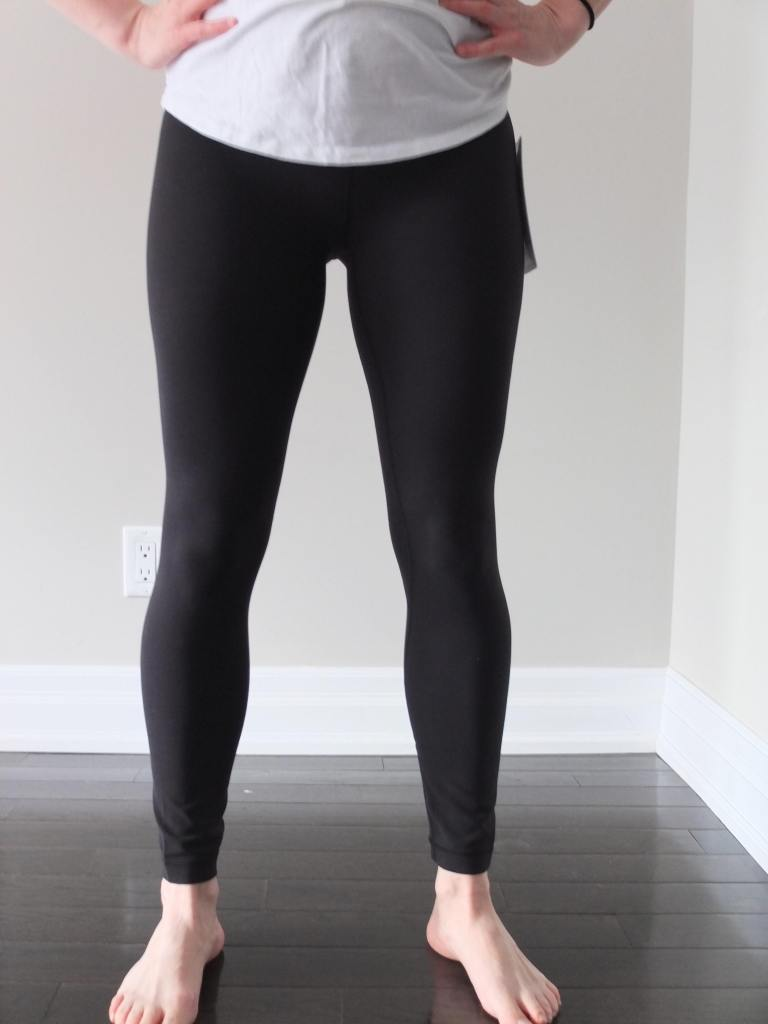 1b6c70289d948 Retail Price: $98. Size Reco: Go down one size. Underwear Friendly: Yes The  Dets: These pants had some shine and looked more like workout pants than  the ...