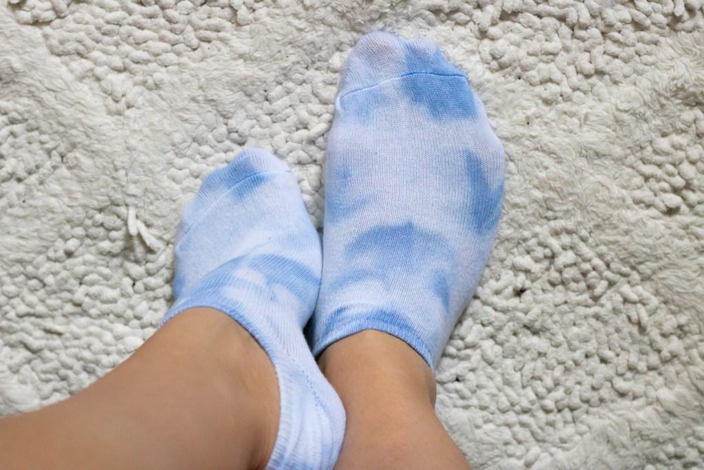 pastel blue low rise tie dye socks
