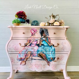 How to paint a bombay chest. How to decorate a bombay chest.