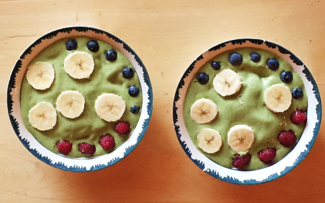 Spinach Cashew & Hemp Smoothie Bowl