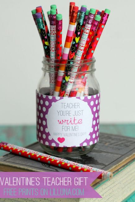 EASY-and-CUTE-Valentines-Day-Teacher-Gift1