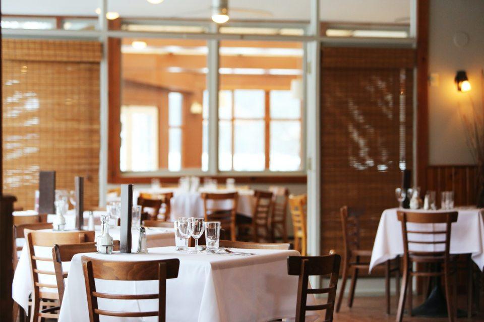 Fase 2: riaprono bar e ristoranti (ma con menù digitalizzati)