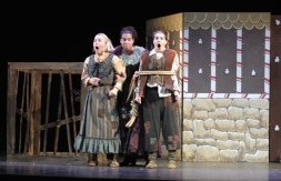 Leandra Ramm picture, plays in Hansel und Gretel Sarasota Opera Apprentice Scenes Take Two