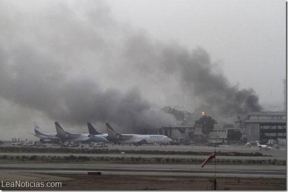 Pakistán  28 muertos en el ataque al mayor aeropuerto2