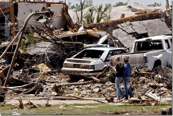 Tornado deja nueve muertos y causa daños en el norte de México