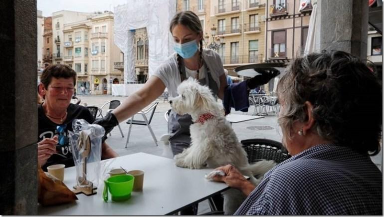 terraza-espana-cafeteria-plaza-mercadal-foto-EFE