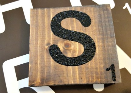 DIY Large Scrabble Wall Tiles tutorial