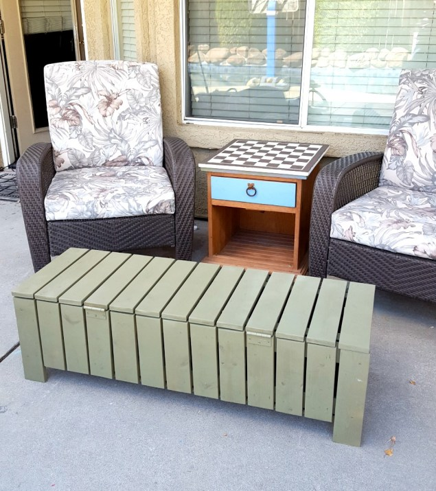 DIY coffee table storage bench outdoor