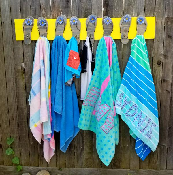 Pool Towel Sign With Hooks: Pool Towel Rack With Flip Flops DIY Tutorial!