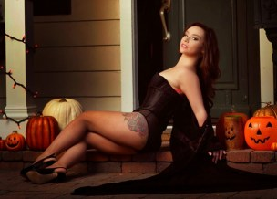 Danielle Harris in Gorezone Magazine April 2014 - crop