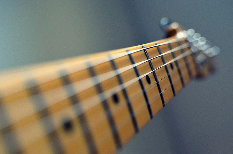 Understanding the relationship between guitar notes, intervals ...