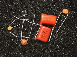 two-types-capacitors-800x800