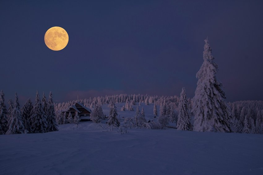 super Snow Moon february 9