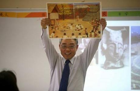 世界中にいる日本人の子供たちに日本の歴史を教えたい!斎藤先生インタビュー