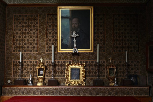 John Henry Cardinal Newman's altar, untouched since his death. (Christopher Furlong/Getty Images)