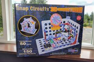 Image showing the outside box of Snap Circuits 3D Illumination electronics building set by Elenco