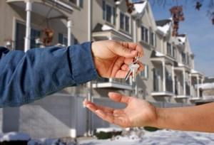 Kupujete nemovitost a banka Vám nepůjčí? My ano.