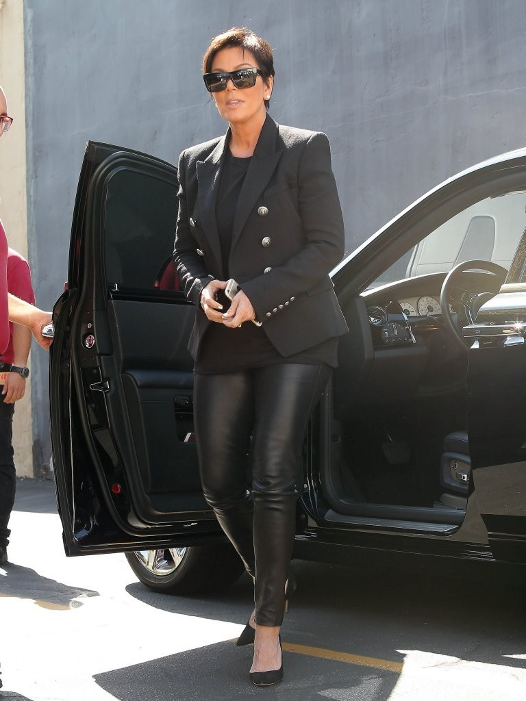 Kris Jenner Was Spotted At Emilios Trattoria In Encino