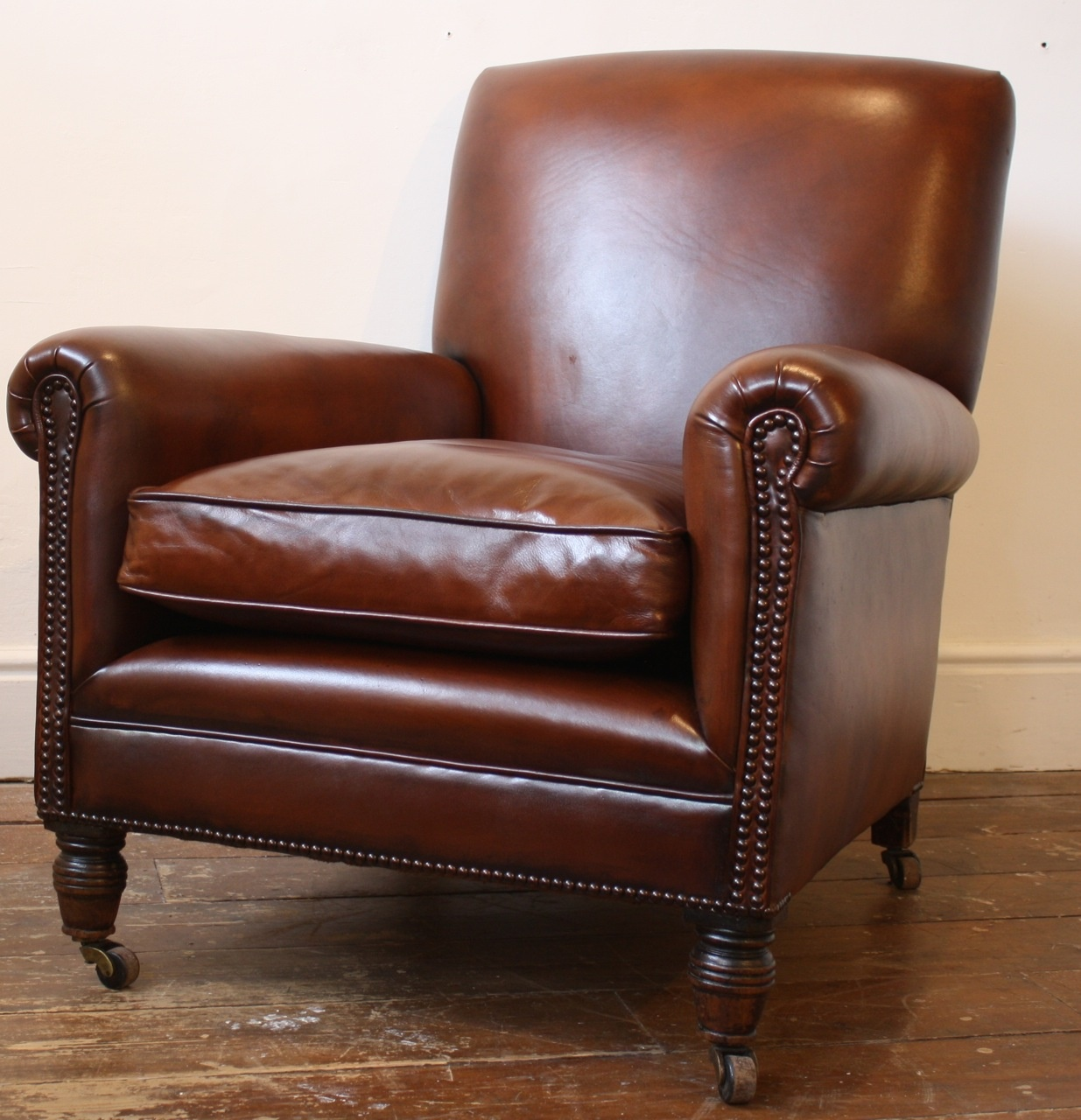 leather sofa and chairs small for bedroom in india reupholstered club chair antique