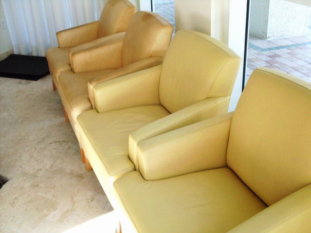 reconditioning leather couch