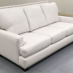 White Leather Sofa With Nailheads Usado Para Vender Em Santos Kara ‹‹ The Company