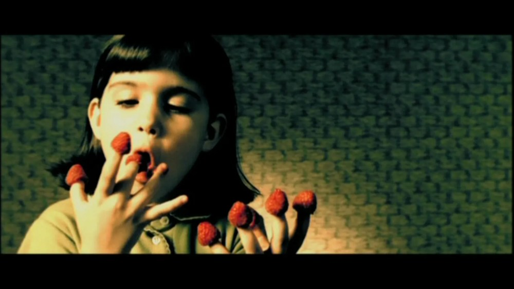 The whimsicality of Amelie (2001) (2/6)