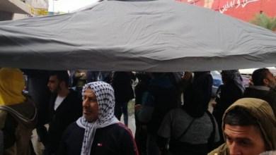 Photo of سراي طرابلس بالفيديو/ اغلاق مدخله وسيدة تحاول حرق نفسها